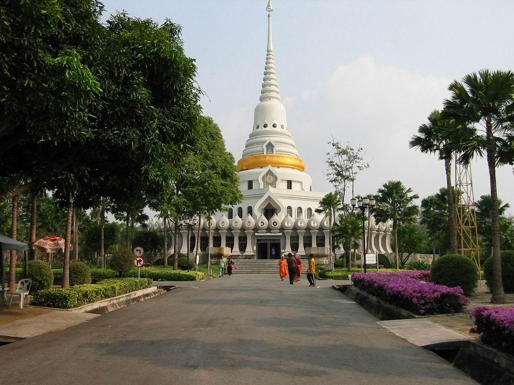 Wat Yan - Yansangwararam Pattaya Pictures